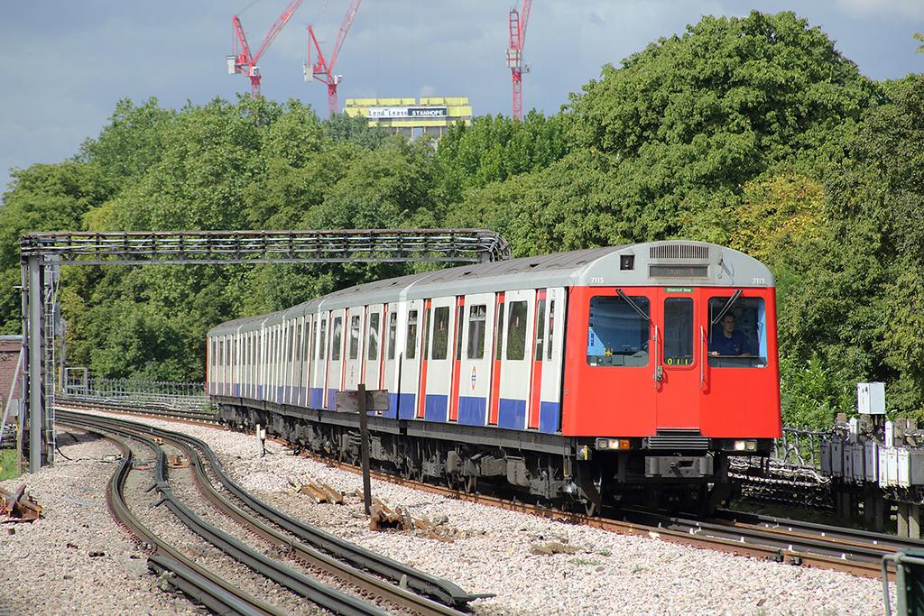 District Line 7115, Turnham Green 10/8/2013