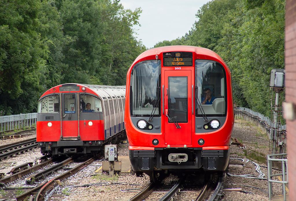 Metropolitan Line 21013, Rayners Lane 10/8/2013