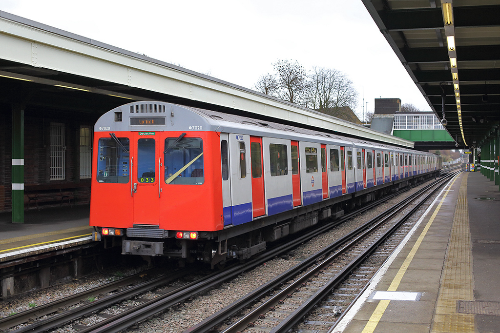 District Line 7020, Hornchurch 15/1/2014