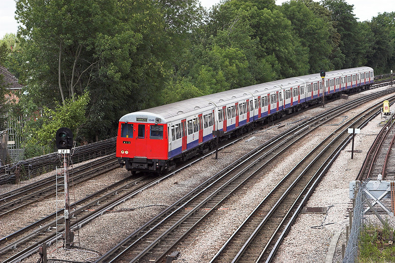 Metropolitan Line 5048, Northwood 24/7/2010
