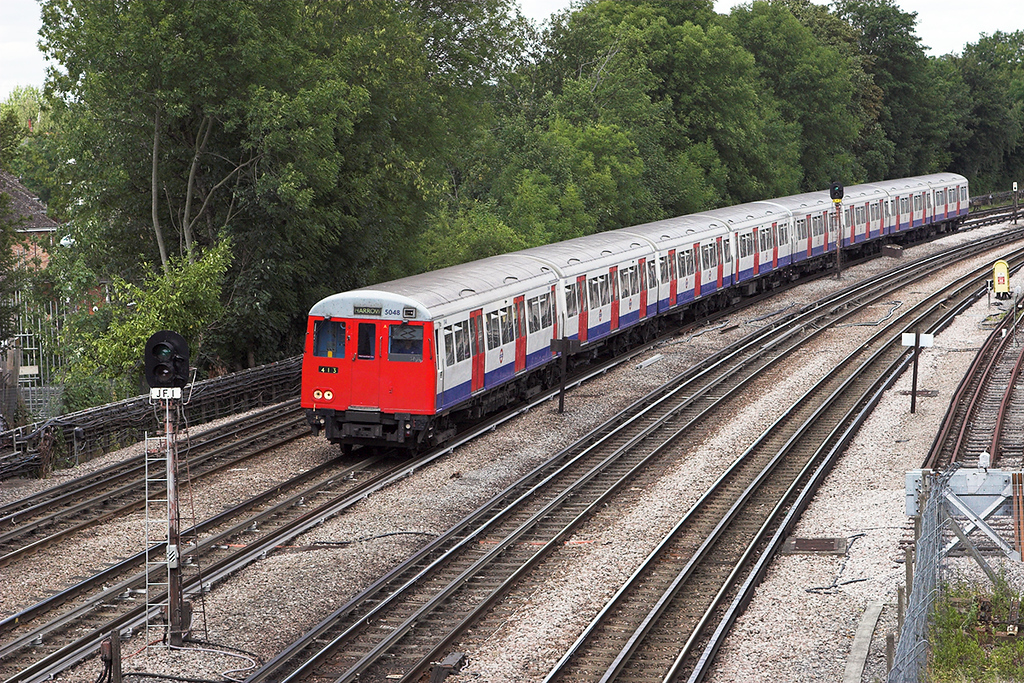 Metropolitan Line 5048, Northwood 24/7/2010