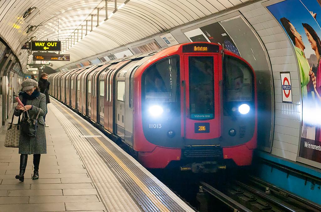 Victoria Line 11013, Pimlico 10/2/2012