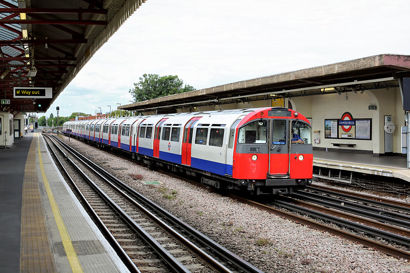 Piccadilly Line 201, Stamford Brook 10/8/2013