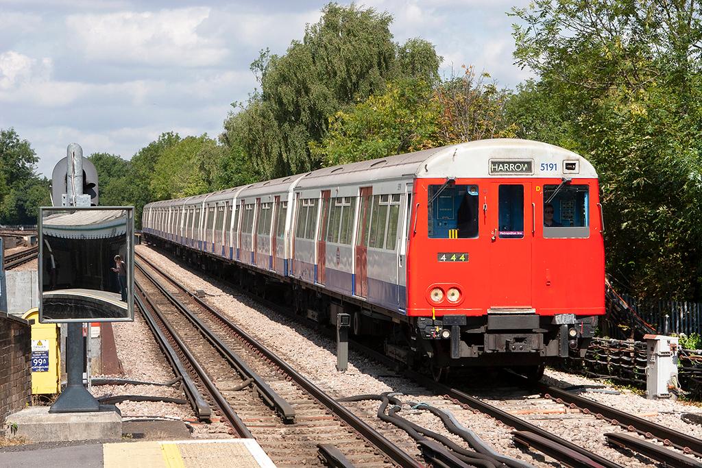 Metropolitan Line 5191, Pinner 24/7/2010