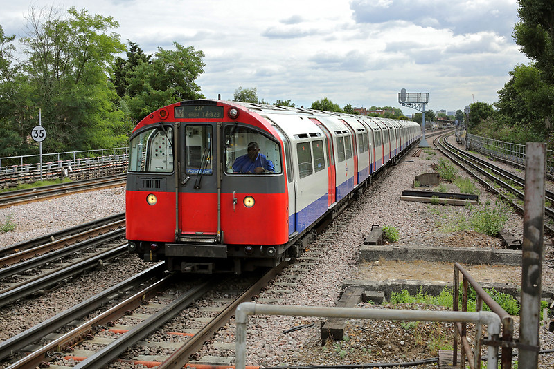 Piccadilly Line 171, Turnham Green 10/8/2013