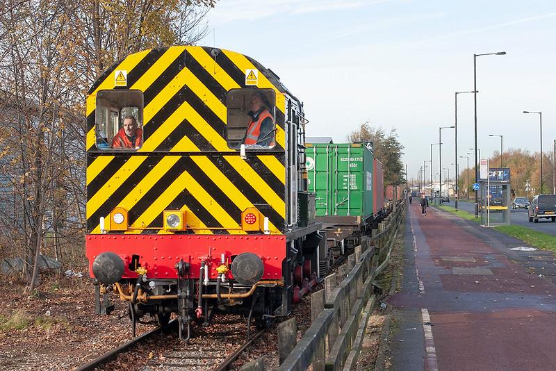 09009 Barton Dock Road 1/12/2011<br /> 4L18 1128 Barton Dock-Trafford Park FLT