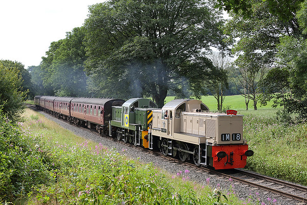 D9537 and D9526, Wlamersley 26/7/2014 1J67 1055 Heywood-Rawtenstall