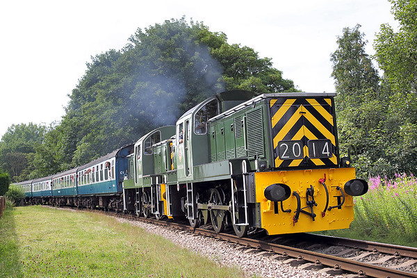 D9520 and D9555, Summerseat 26/7/2014 1J65 0955 Heywood-Rawtenstall