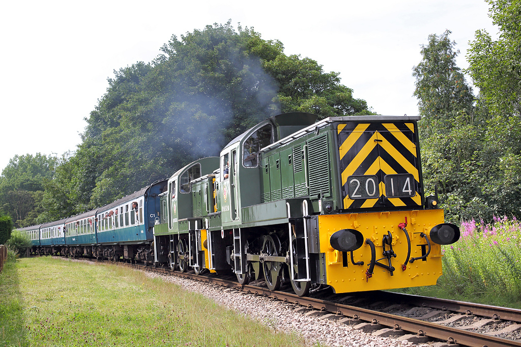 D9520 and D9555, Summerseat 26/7/2014<br /> 1J65 0955 Heywood-Rawtenstall