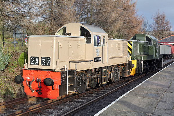 D9537 and D9531, Rawtenstall 10/1/2015