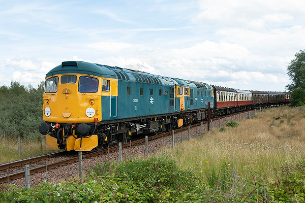26038 and 27001, Kinneil 27/7/2013 1300 Bo'ness-Manuel