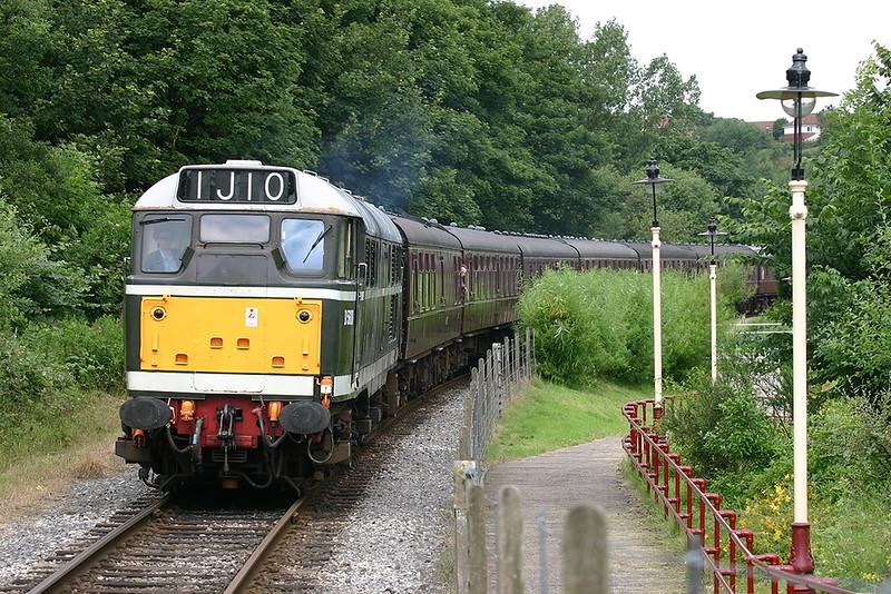 D5600 (31435) Summerseat 6/7/2005<br /> 1J10 1132 Rawtenstall-Heywood