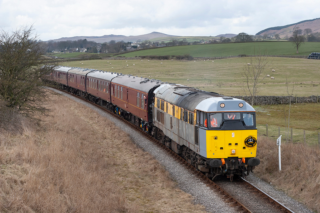 31119 Holywell 25/3/2006<br /> 1230 Embsay-Bolton Abbey