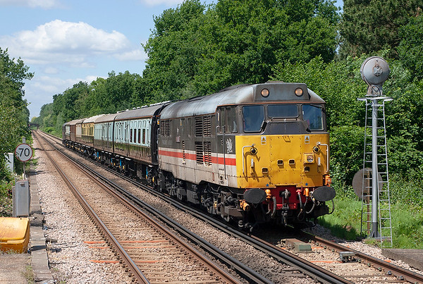 31454 and 31452 Sunningdale 22/6/2006 5Z85 1300 Ascot-Clapham Junction