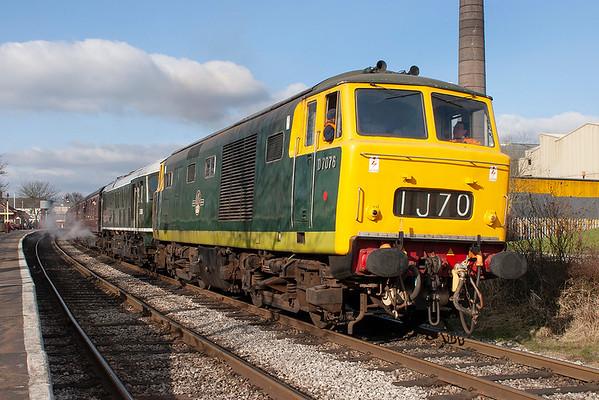 D7076 and D5054 (24054), Ramsbottom 18/3/2006 1507 Rawtenstall-Heywood