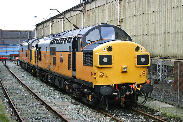 37087 and 37515, Crewe 30/11/2004