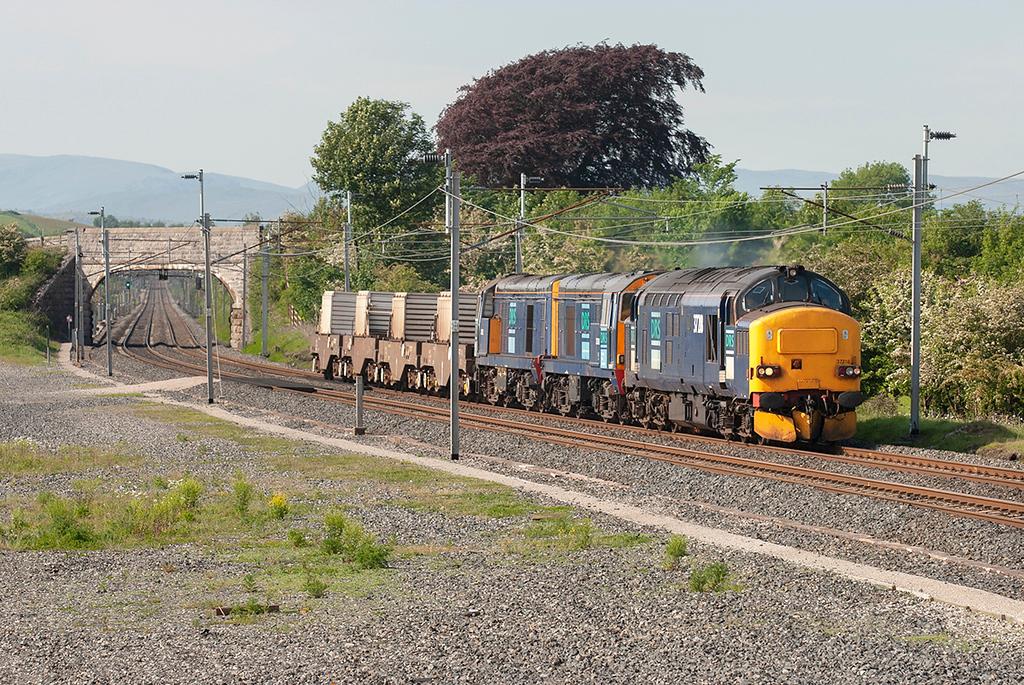 37218, 20310 and 20312 Elmsfield 7/6/2006<br /> 6K73 1338 Sellafield-Crewe CLS