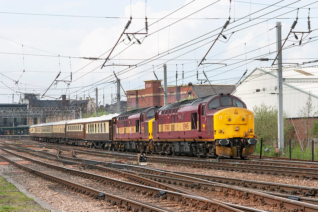 37401 and 37417 Carlisle 5/5/2008<br /> 1Z67 1556 Carlisle-Swindon