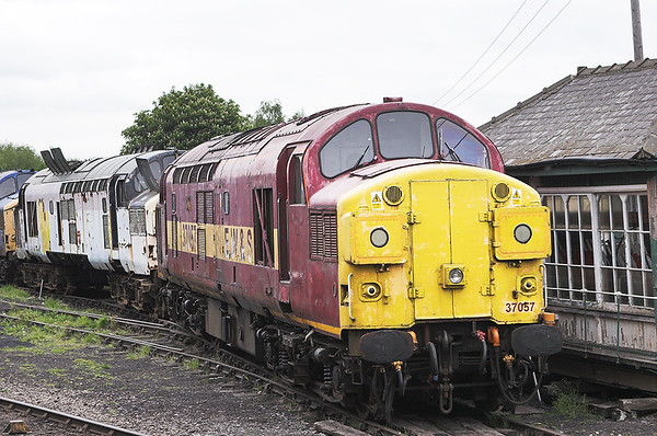 37057 and 37097, Barrow Hill 16/5/2008