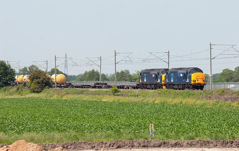 37612 and 37218 Hademoor 8/6/2006<br /> 4L46 1118 Ditton FLT-Purfleet FLT