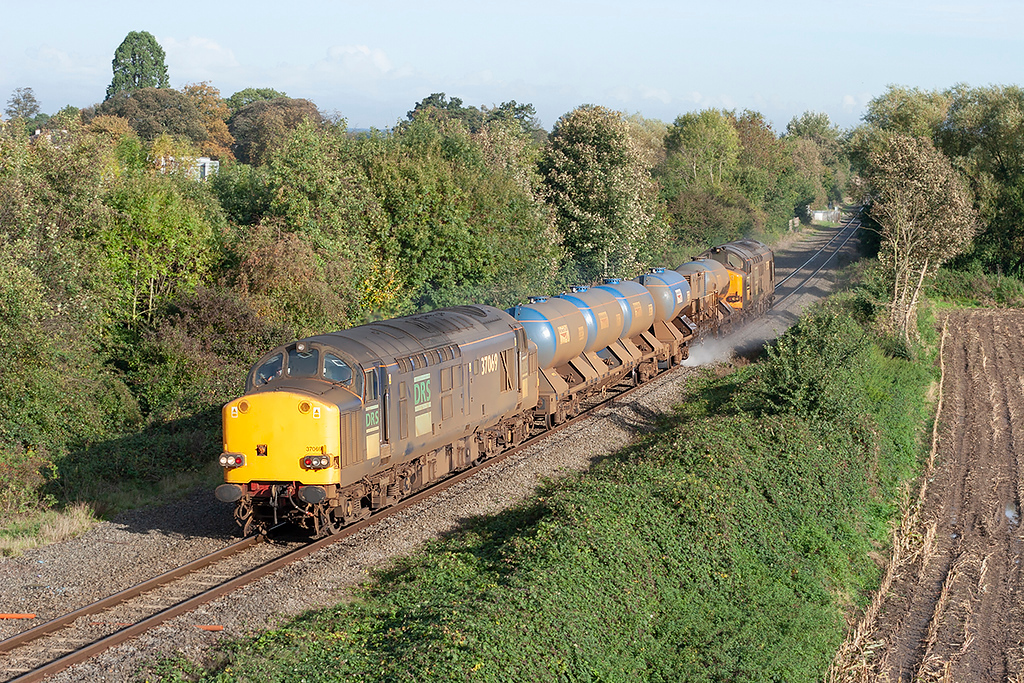 37069 and 37059 Rossett 23/10/2006<br /> 3J96 0647 Bidston-Crewe Gresty Lane (via Wrexham, Holyhead)