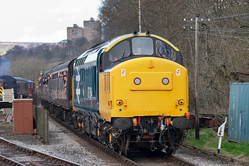 37264 Ingrow West 27/4/2013<br /> 1655 Keighley-Oxenhope