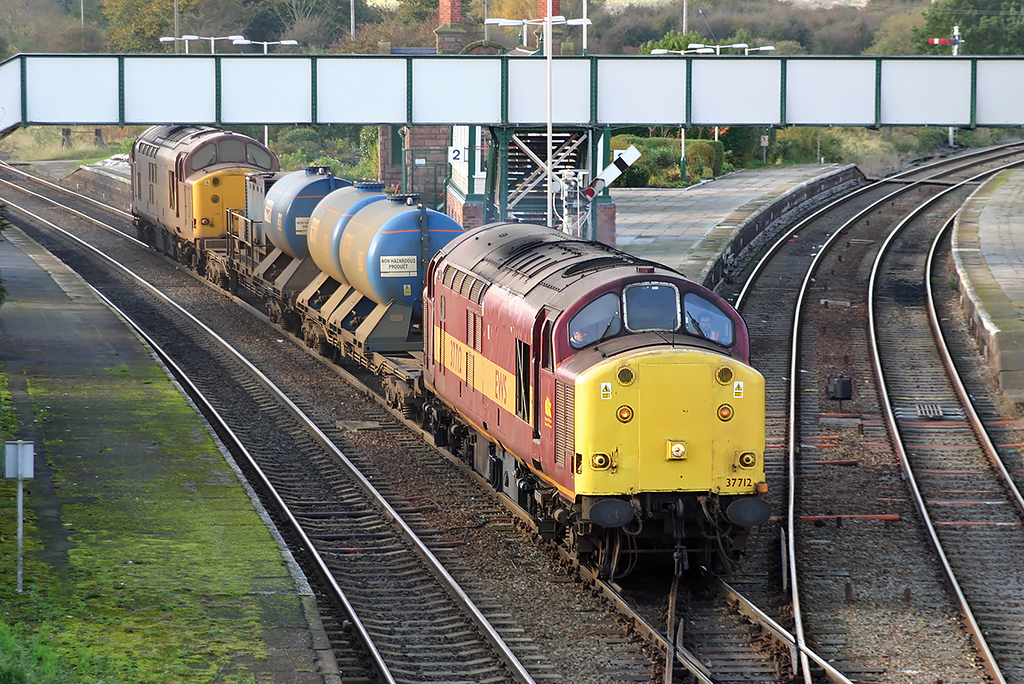 37712 and 37706 Helsby 26/10/2004