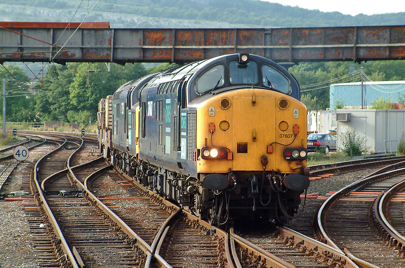 37607 and 37259 Carnforth 9/7/2003