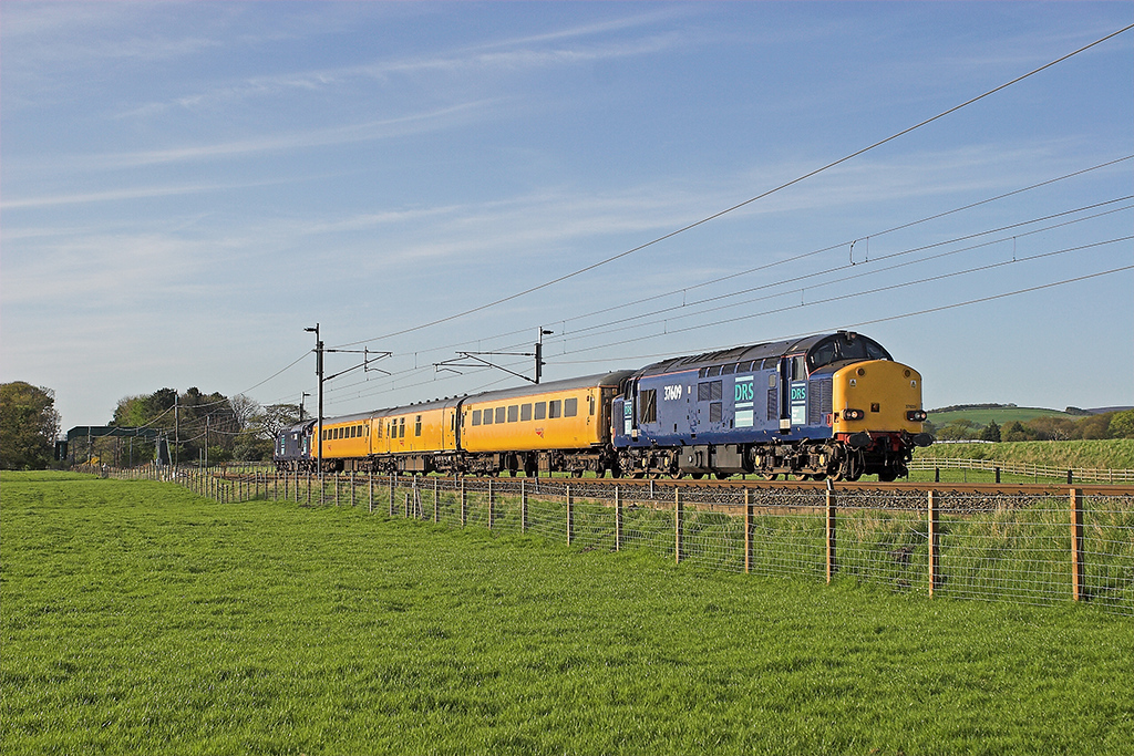 37609 and 37611 Brock 5/5/2006<br /> 4Z10 1540 Carlisle-Derby RTC