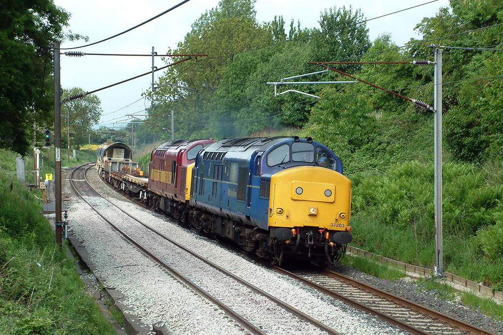 37203 and 37707 Barton 28/5/2003