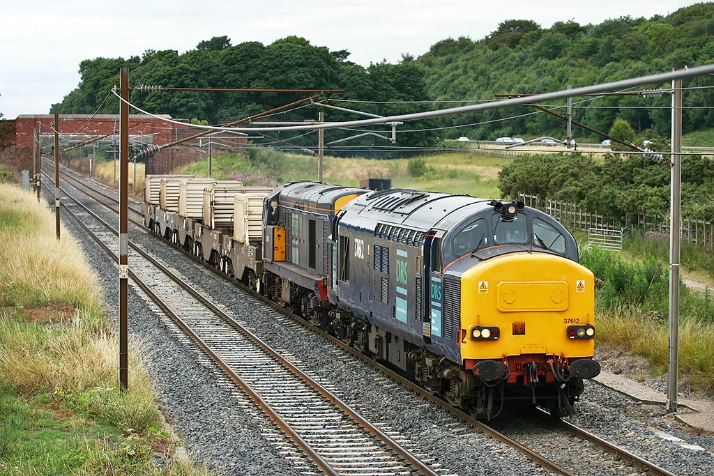 37612 and 20308 Woodacre 25/7/2005<br /> 6K73 1535 Sellafield-Crewe CLS