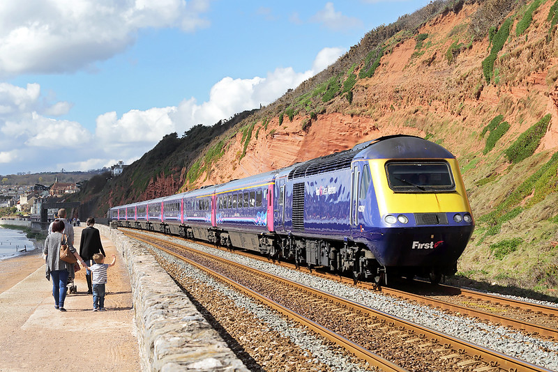 43191 and 43023, Dawlish 17/4/2016<br /> 1A81 0830 Panzance-London Paddington