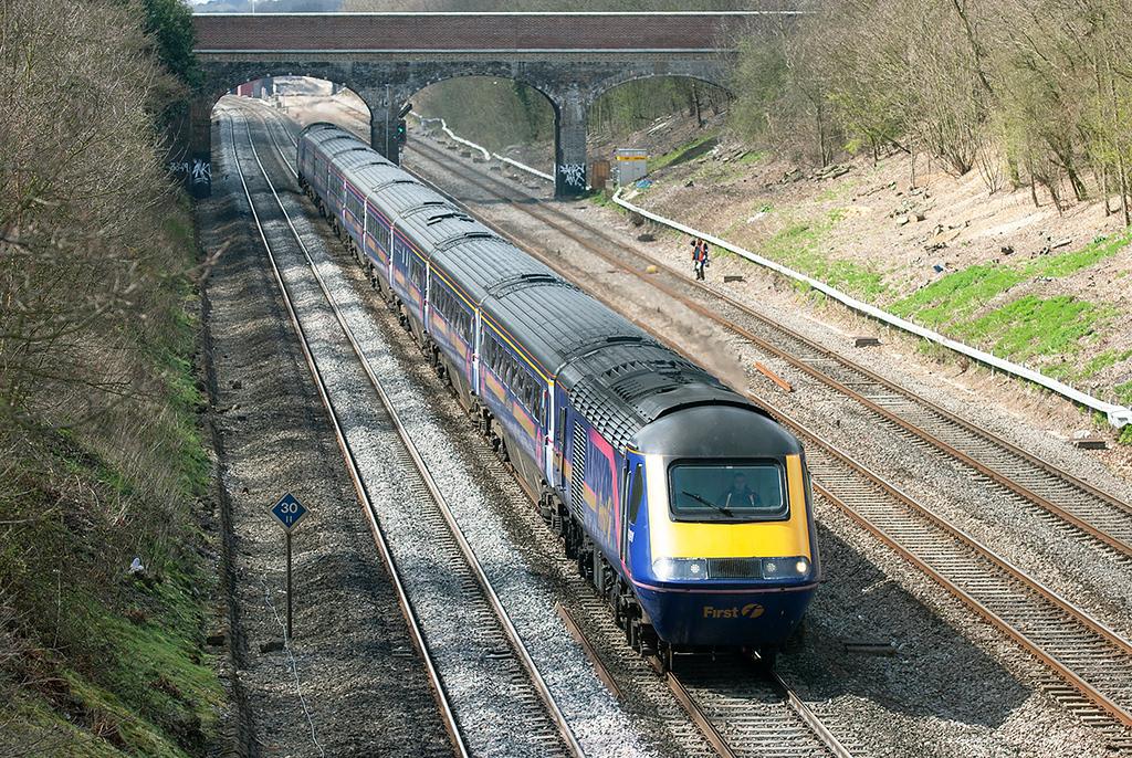 43091 and 43127, Ruscombe 12/4/2006<br /> 1L48 0930 Swansea-London Paddington