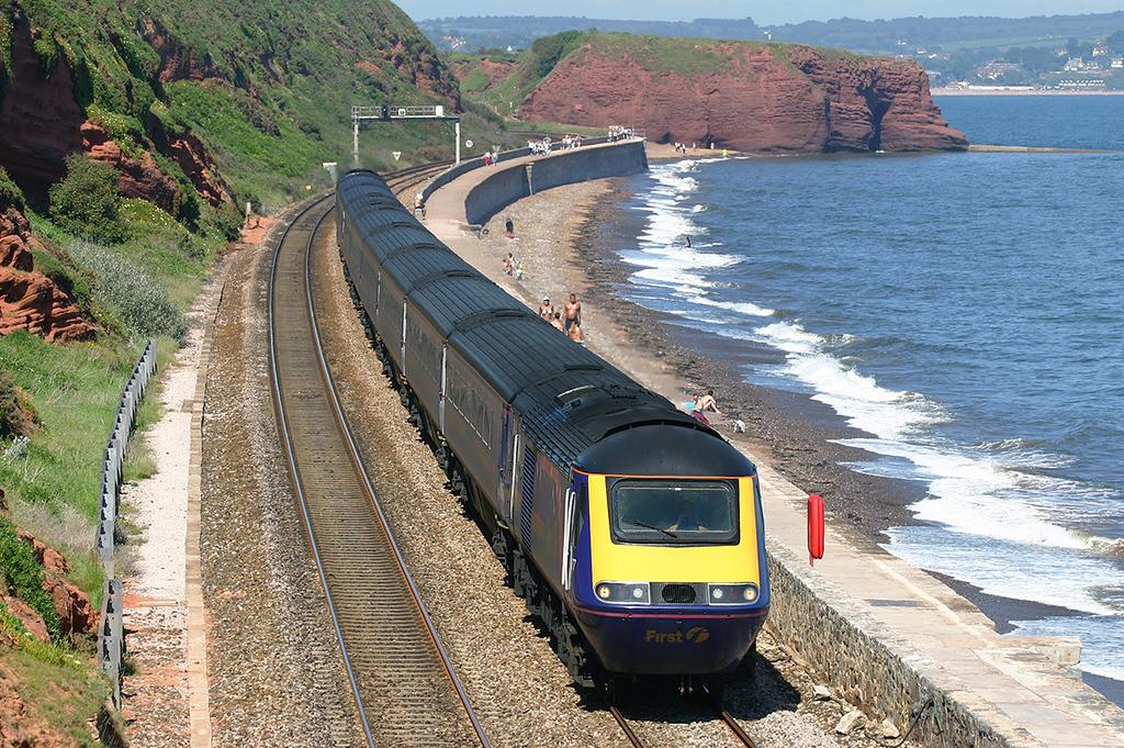 43177 and 43020, Dawlish 18/6/2005<br /> 1C86 1305 London Paddington-Penzance