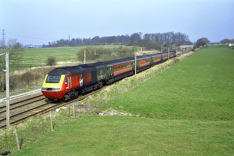 43194 and 43193, Garstang 27/3/2003