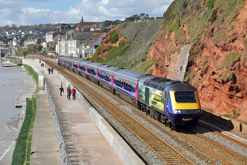 43144 and 43153, Dawlish 17/4/2016<br /> 1L18 1013 Plymouth-London Paddington
