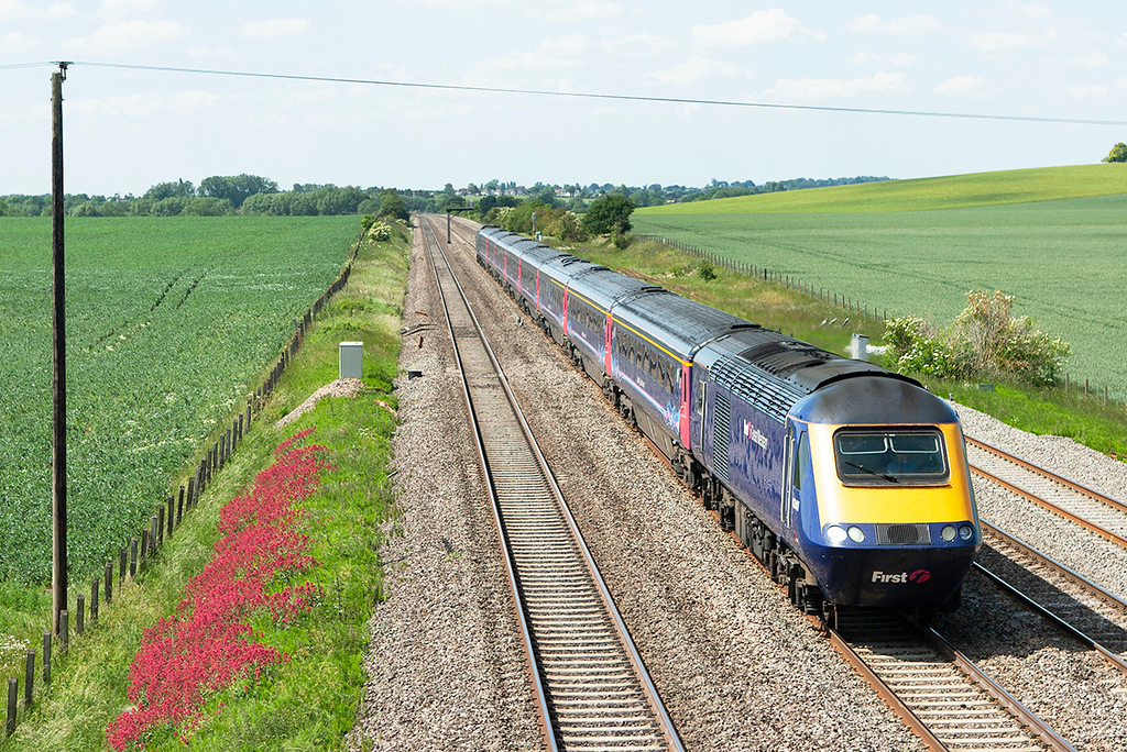43141 and 43024, Cholsey 3/6/2011<br /> 1L62 1228 Swansea-London Paddington