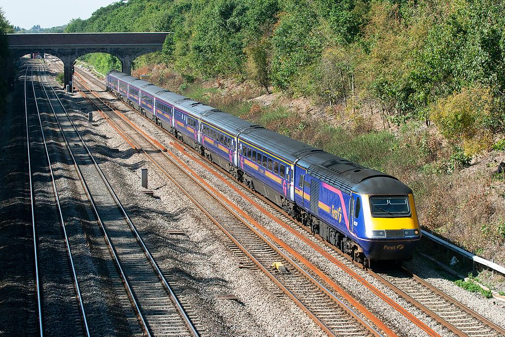 43139 and 43071, Ruscombe 8/9/2006<br /> 1F38 1130 Oxford-London Paddington