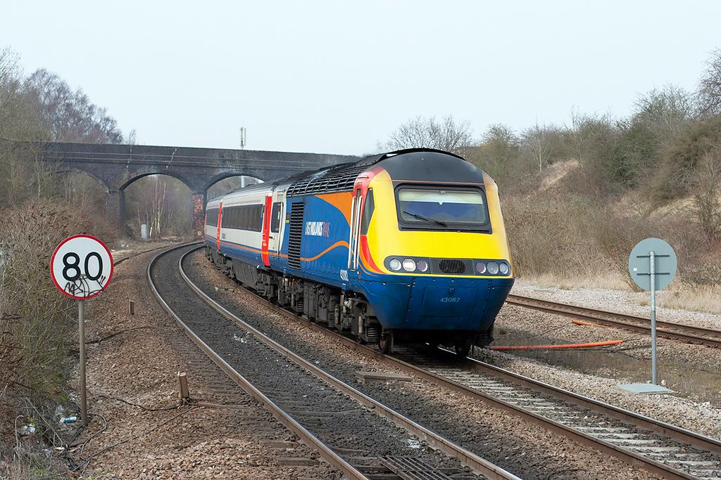 43082 Wellingborough 10/4/2013<br /> 1B53 1428 Nottingham-London St Pancras