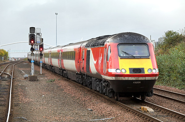 43206 and 43308, Dundee 9/10/2017 1S11 1000 London Kings Cross-Aberdeen