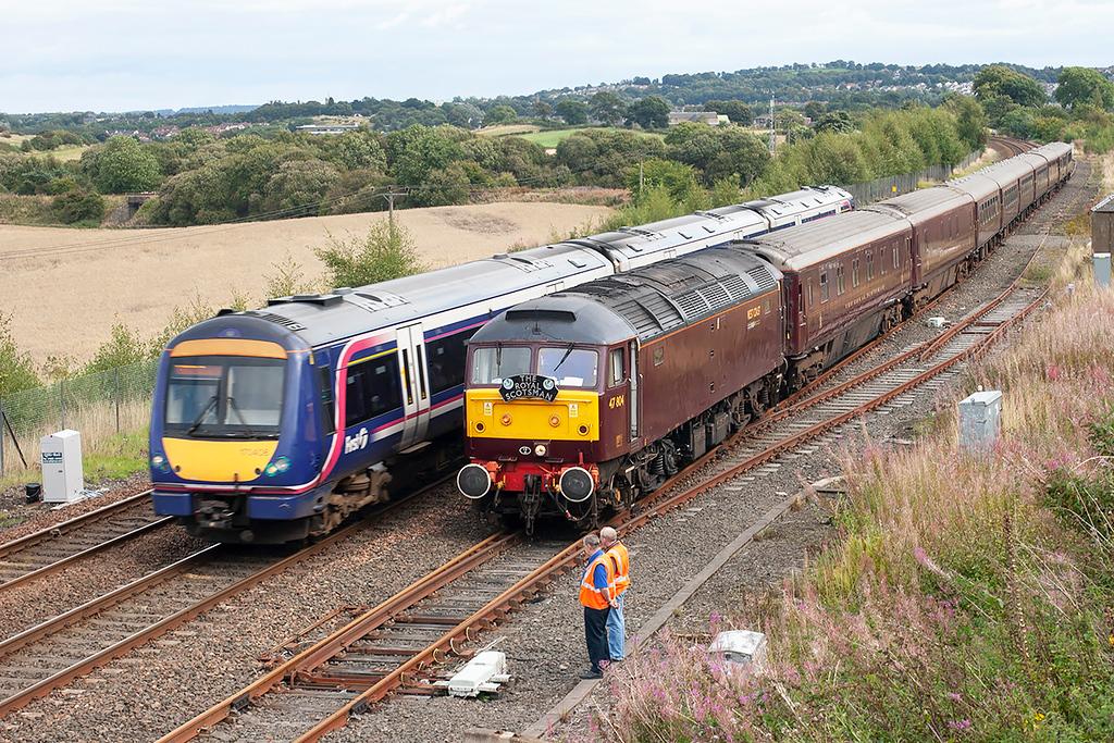 47804 and 170408, Whitecross 4/9/2009<br /> 47804: 1H85 1332 Edinburgh-Spean Bridge<br /> 170408: 1R95 1430 Edinburgh-Glasgow Queen Street