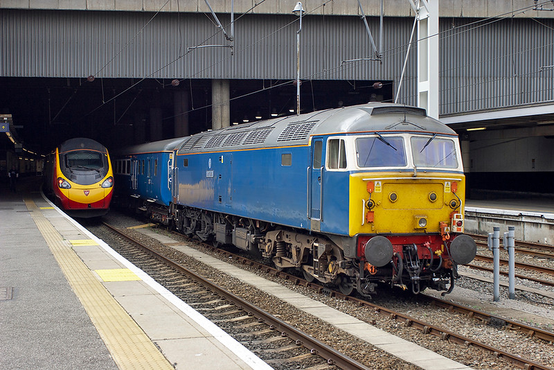 47712 and 390038, London Euston 22/6/2006<br /> 390038: 1S48 1029 London Euston-Glasgow Central