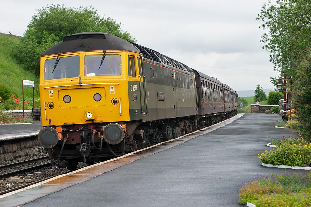 47851 Horton-in-Ribblesdale 24/6/2006<br /> 1Z26 0550 Morpeth-Shrewsbury