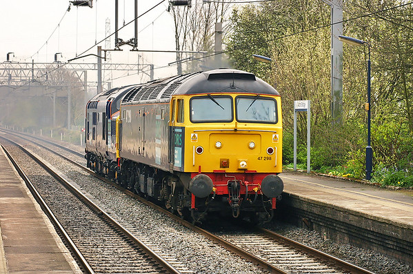 47298 and 37087, Acton Bridge 21/4/2005 0Z47 1500 Crewe CLS-Carlisle Kingmoor