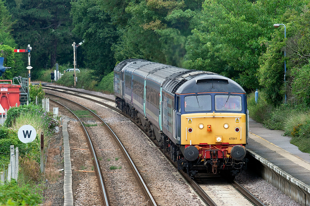 47841 and 47802, Brundall 21/7/2011<br /> 2P32 1732 Norwich-Great Yarmouth