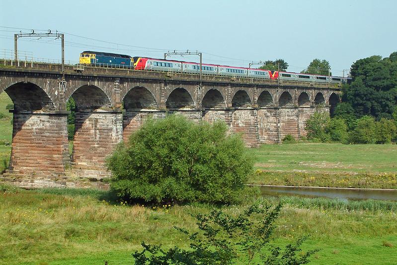 47840 Dutton Viaduct 6/8/2003