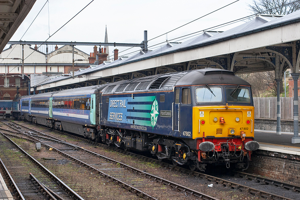 47802 and 47805, Norwich 12/4/2013<br /> 2J66 0750 Norwich-Lowestoft