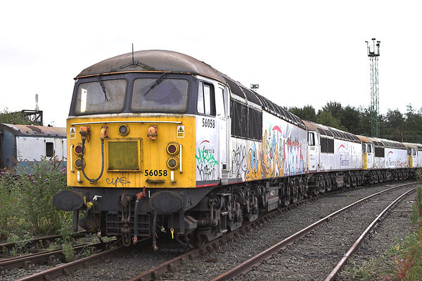 56058, 56060 and 56090, Crewe 28/8/2011