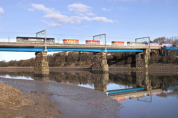 66301 Lancaster 4/4/2013 4M34 0428 Coatbridge-Daventry