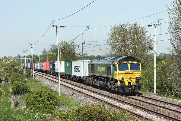 66501 Long Buckby 22/5/2012 4L57 1346 Daventry-Tilbury